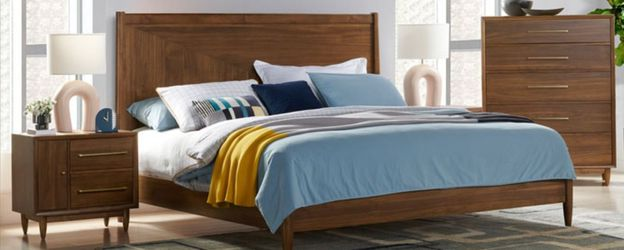 Queen Bed Made By Northridge Home Furniture for Sale in Santa Ana,  CA