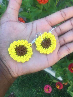 Handmade sunflower earrings for Sale in Tracy, CA