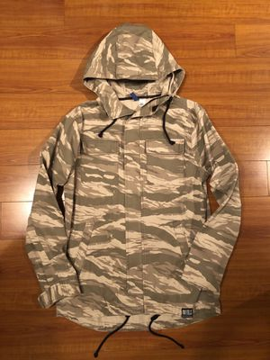 H&M Divided Camouflage Jacket ( Mens Small ) North Face Supreme for Sale in Glendale, CA