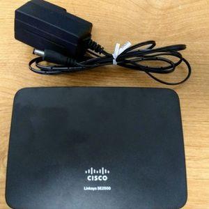 Cisco Linksys SE2500 Five Port Gigabit Ethernet Switch for Sale in Las Vegas, NV