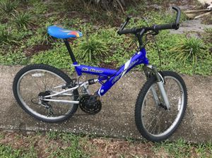 """Roadmaster MTB, 24"""", 18 speeds, blue and gray for Sale in Orlando, FL"""