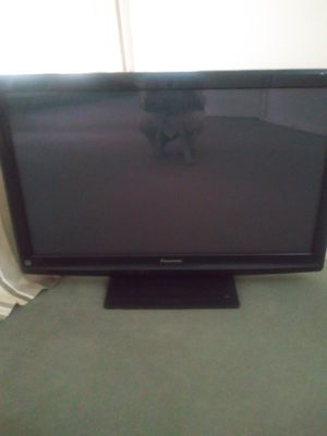Panasonic 42 inches for Sale in Perth Amboy, NJ