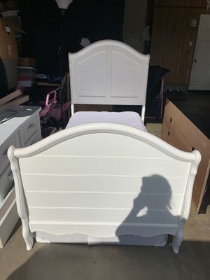 Twin bed for Sale in Corona, CA