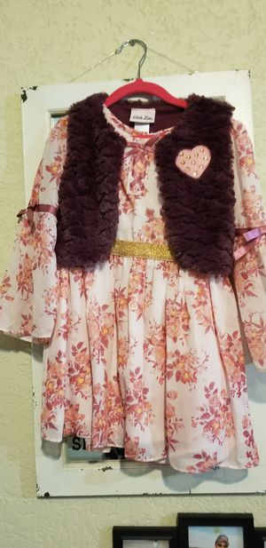 Girls dresses size 4 t for Sale in Donna, TX
