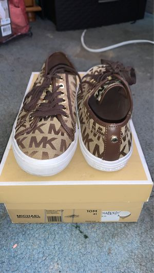 Micheal Kors sneakers for Sale in Brooklyn, NY