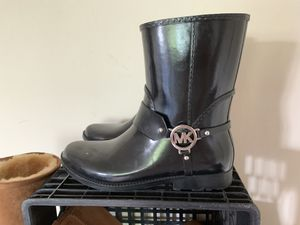 WOMENS size 10 MICHAEL KORS RAIN BOOTS $50 originally paid $75 only worn a few times perfect condition for Sale in Glenolden, PA