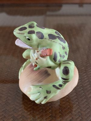 "Vintage Enesco Fred Aman Frog playing on guitar Mushroom Ceramic figurine collectible In excellent condition,approx 3.5"" x 3"" for Sale in Hobe Sound, FL"