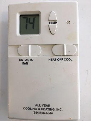 Basic thermostat for Sale in Fort Lauderdale, FL