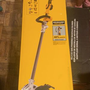 DEWALT 20V MAX Lithium-Ion Brushless Cordless String Trimmer with (1) 5.0Ah Battery and Charger Included for Sale in Washington, DC