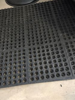 Slip Resistant interlocking mats for Sale in Phoenix,  AZ