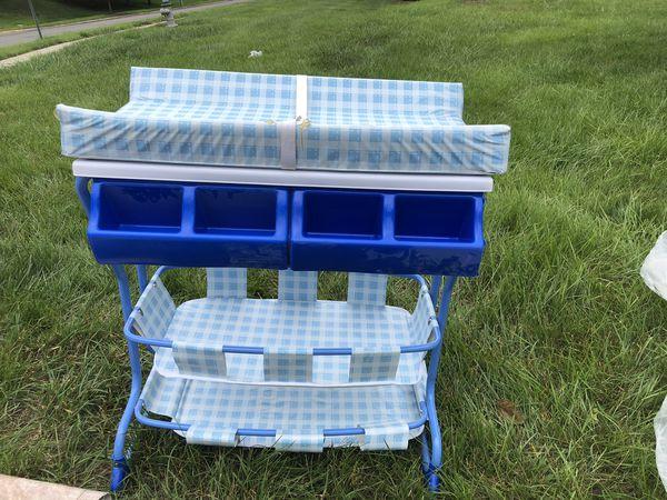 Bath tub/ change table/ diaper-stacker combo