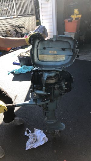 Evinrude 7.5 motor with gas tank. for Sale in Lombard, IL