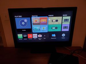 32 inch tv with Samsung smart dvd player for Sale in Concrete, WA
