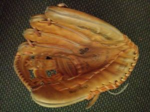 "Mizuno baseball softball mitt glove 13"" for Sale in San Leandro, CA"