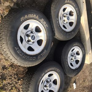 4 Jeep Cherokee Wheels w/ Good Tires for Sale in Smithfield, RI