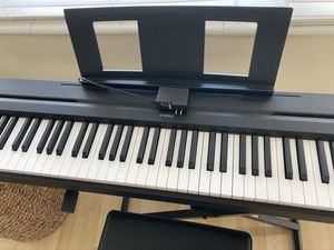 Piano Yamaha p-45 for Sale in Oakland Park, FL