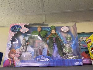 Frozen Anna deluxe troll wedding set new for Sale in Tampa, FL