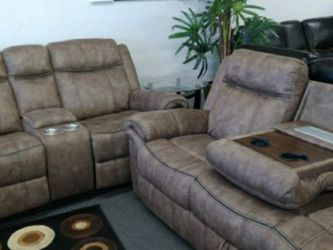 Brown Couch Set With Plug In! for Sale in Fresno,  CA