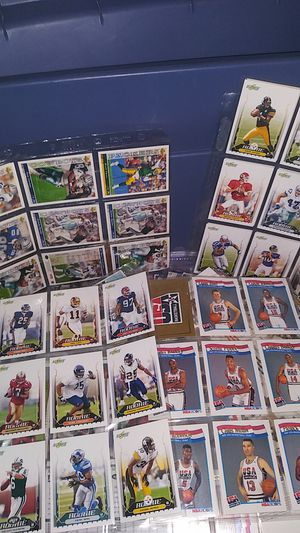 Collectibles a tub full of baseball and football cards for Sale in Irving, TX