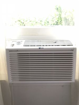 3 AC window units. for Sale in Los Angeles, CA