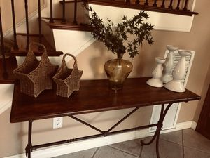 Entrance Table for Sale in Upland, CA