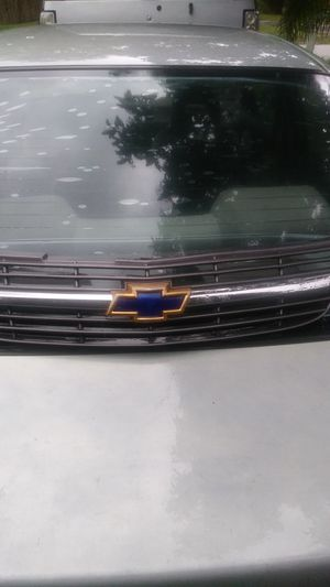 Chevrolet grill for Sale in Sebring, FL