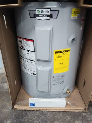 30 gal water heater for Sale in Olivette, MO