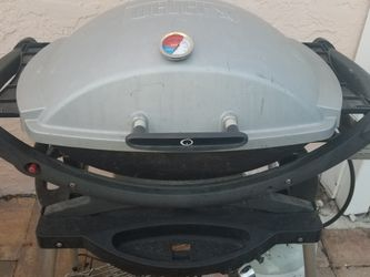 WEBER Q SERIES Grill with Stainless Steel Grill for Sale in Hollywood,  FL