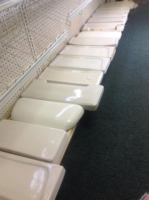 Replace a broken toilet tank lid with original porcelain replacement lid! for Sale in Hialeah, FL