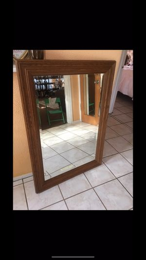 Beautiful wall mirror for Sale in Los Angeles, CA