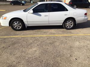 Toyota Camry. Runs great. Clean title in hand for Sale in Duncanville, TX