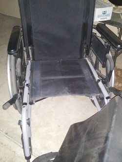 Wheelchair Comes With Cushion for Sale in Kingsburg,  CA
