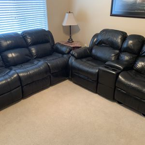 Leather Sofa (black) for Sale in Hillsboro, OR