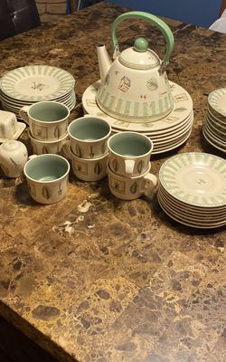 Pfaltzgraff Nature wood china Dinner Ware For 8 for Sale in Buena Park,  CA