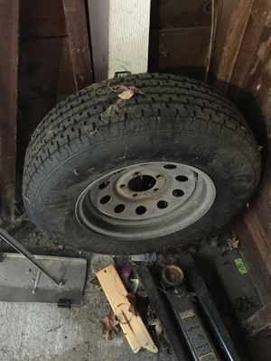 Trailer tire with Rim RT205/75/14 for Sale in Groton, MA