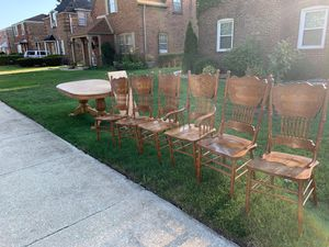 FREE TABLE SET for Sale in Evergreen Park, IL