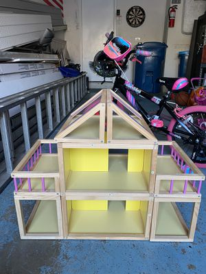 Wooden doll house perfect for lol dolls for Sale in Schaumburg, IL