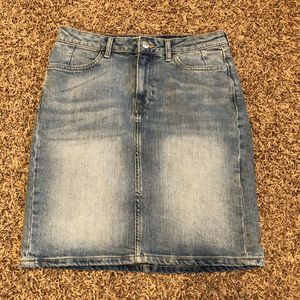 L.O.G.G H&M Denim Stretch Skirt size 8 for Sale in Saline, MI