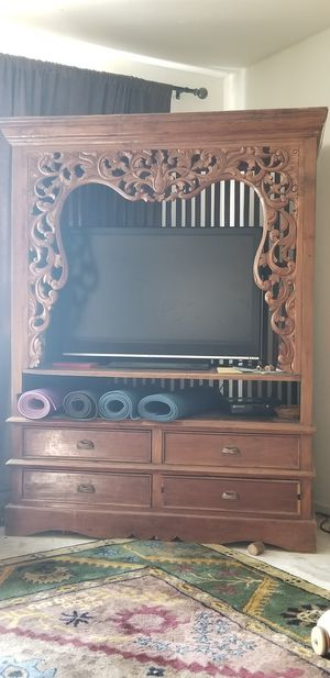Entertainment center for Sale in Bakersfield, CA