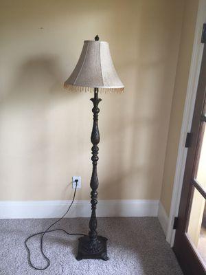 Nice, sturdy floor lamp for Sale in Orlando, FL