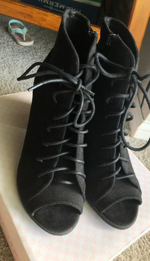 SODA Black lace up heels for Sale in Federal Way, WA