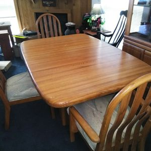 DINING ROOM SET for Sale in Terrebonne, OR