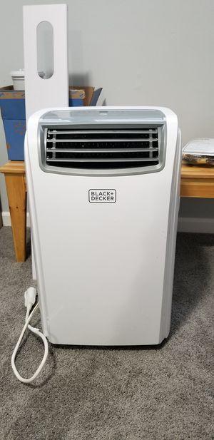 Black+Decker Portable Air Conditioner with heat pump for Sale in Renton, WA