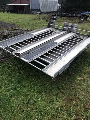 Hi-Lite snowmobile deck for Sale in Tulalip, WA