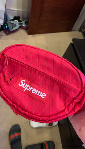 Supreme Fanny Pack for Sale in Las Vegas, NV
