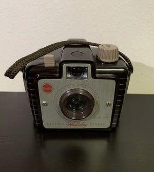 Vintage 1950's Kodak Brownie Holiday Camera, Dakon Lens, USA for Sale in Brooklyn, NY