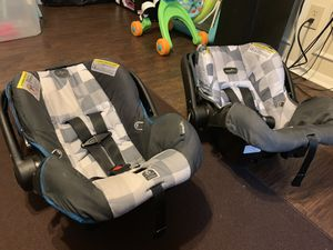 Car Seat. Clean and in excellent condition with security base. I have two of them. $30 for one. $50 for both. for Sale in Stone Mountain, GA