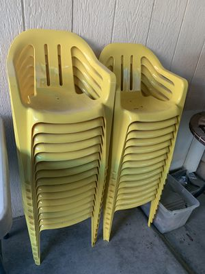 26 kids toddler size chairs for Sale in North Las Vegas, NV