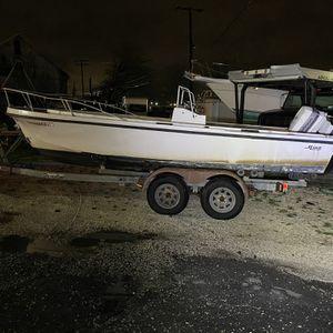 Mako 19ft Boat for Sale in Bay Shore, NY