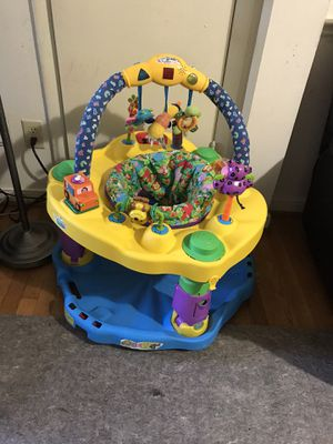 Items for baby ( baby bouncer- baby chair) for Sale in Richmond, VA